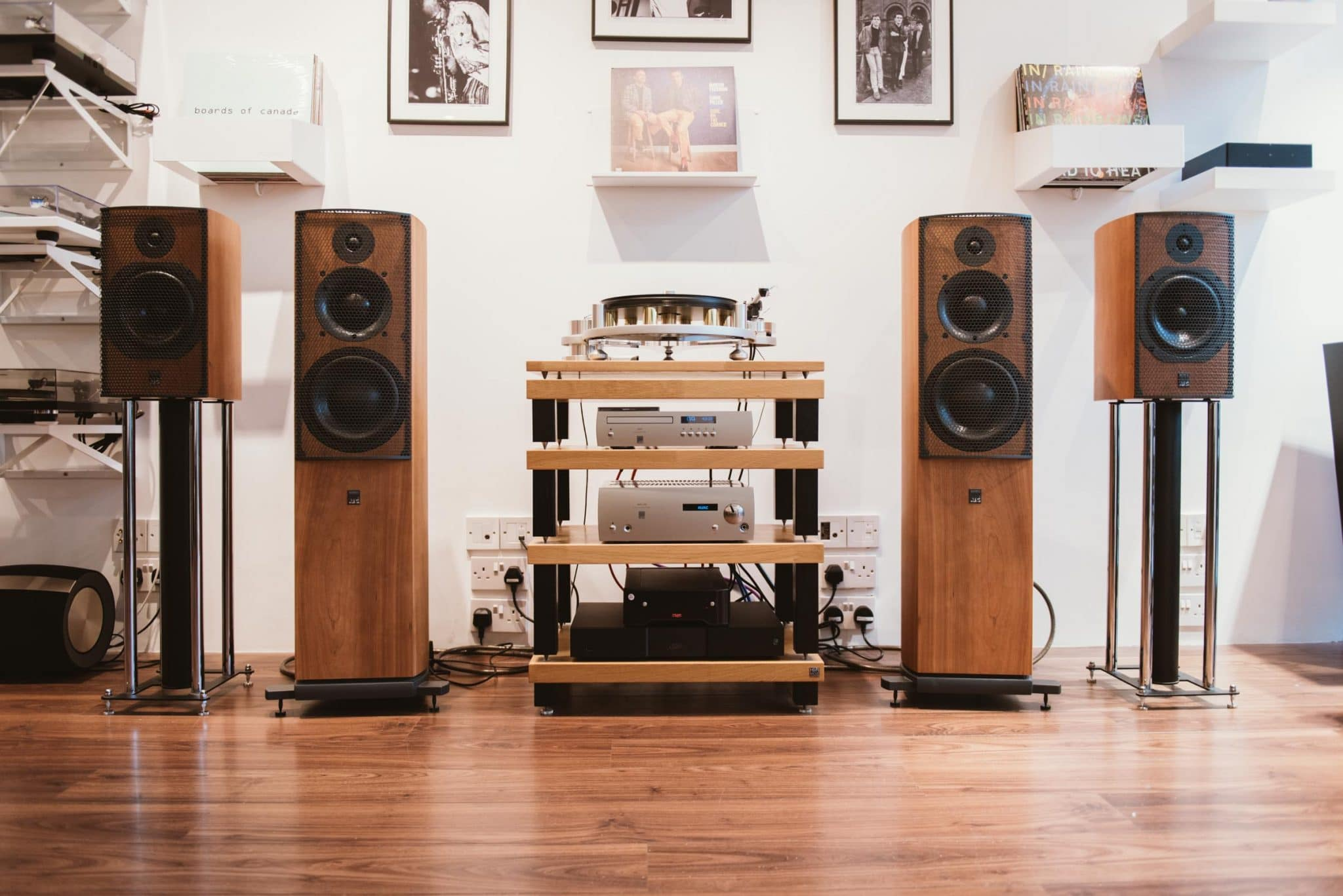 ATC Hifi system & the Michell Gyro SE turntable